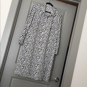 Fun long sleeved dress with heart pattern!